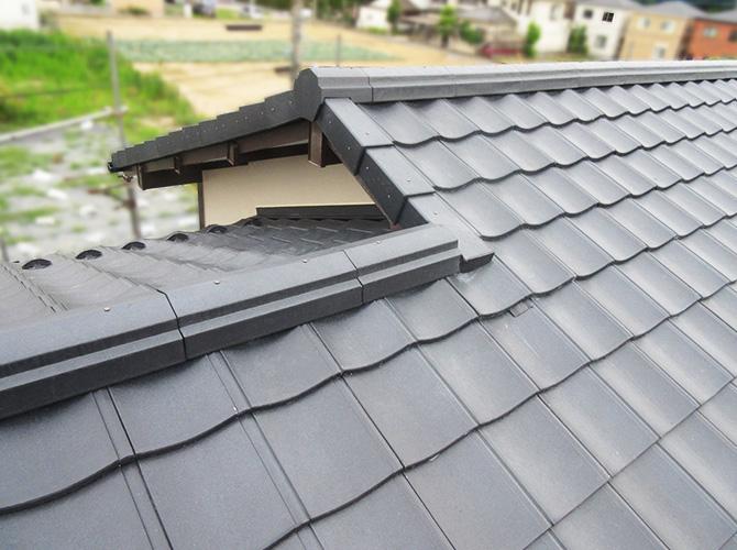 屋根の葺き替え工事の施工完了後