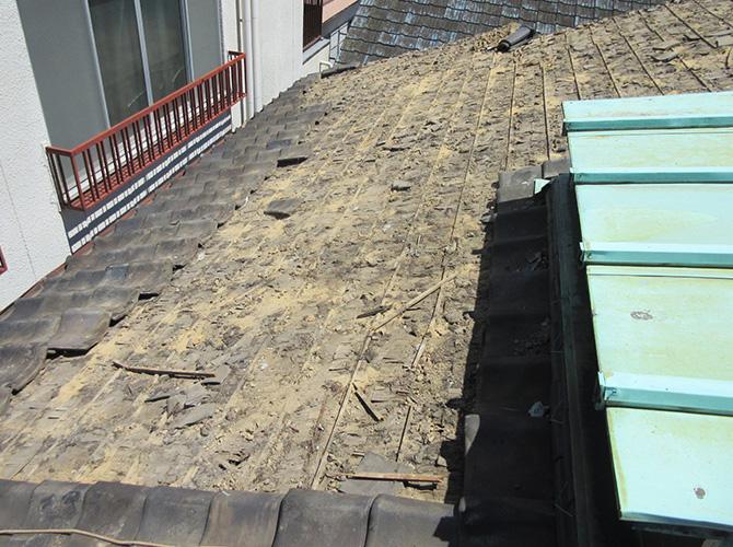 屋根の葺き替え工事の施工前