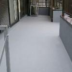 足立区F様邸のバルコニー防水工事 – FRPトップコートと外装塗装リフォーム