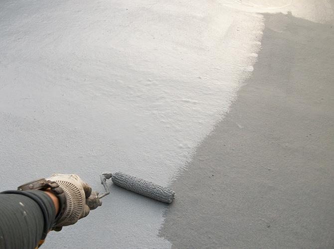 防水材の二層目の塗装