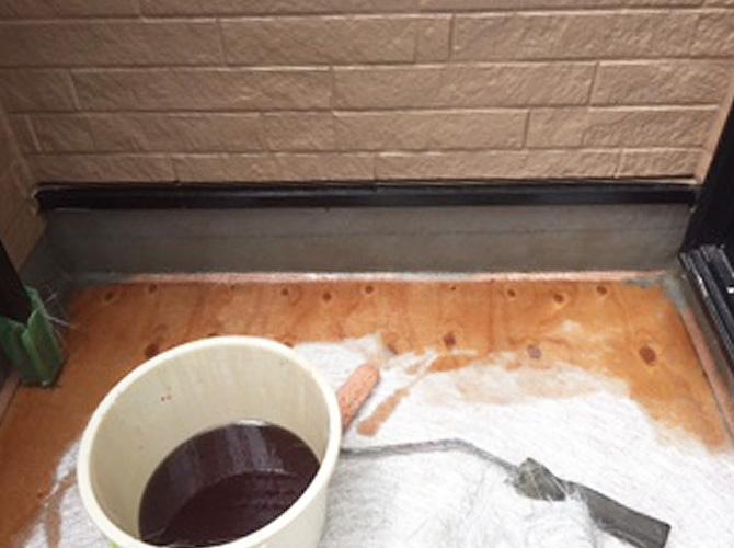 防水材の塗布
