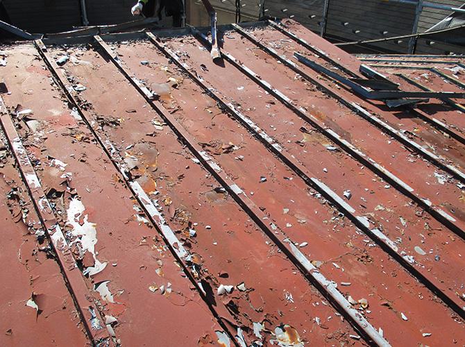 屋根葺き替えの施工前