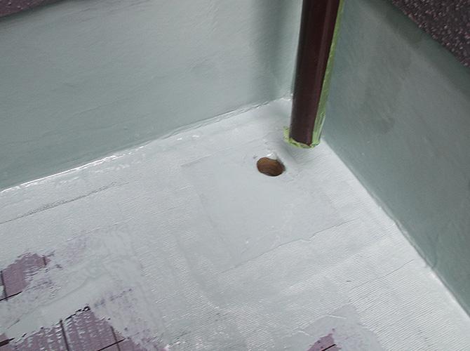 バルコニードレン廻りの防水材の塗布