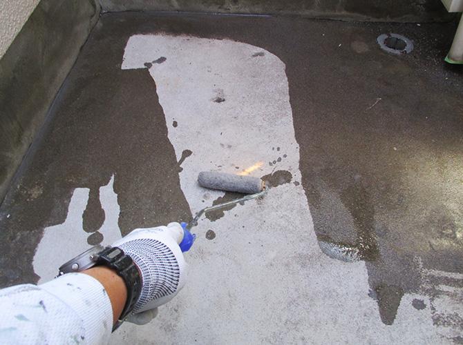 床部分のプライマー塗布