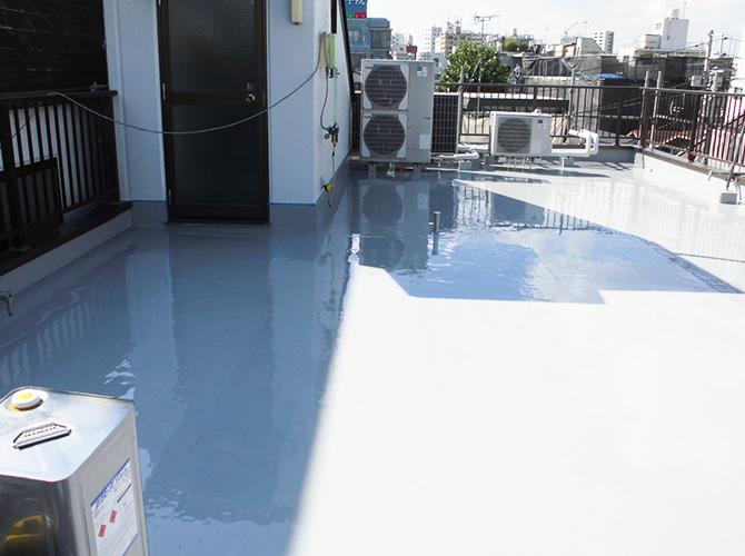 屋上床部分の防水材塗布