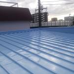 横浜市I様邸の屋根塗装リフォーム – トタン屋根のサビ止め塗り替え工事