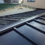 大田区N様邸の屋根塗装リフォーム – トタン屋根のサビ止め塗装工事