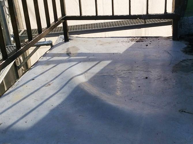 鉄骨階段踊り場部分の施工前