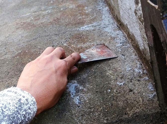 床の撤去と清掃
