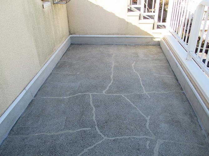 屋上防水工事の施工前の状態