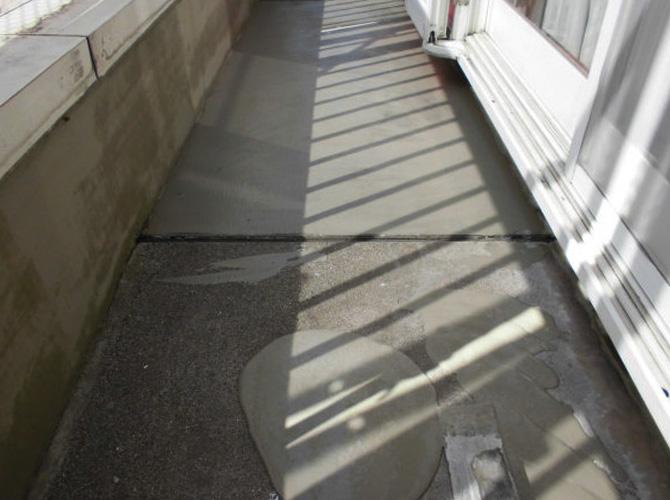 バルコニー床の下地補修