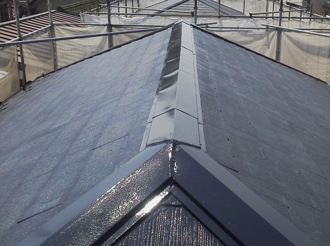 屋根塗装の中塗り完了後