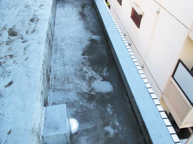 防水工事の施工前の状態