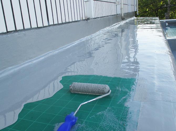 床面の防水材の塗布