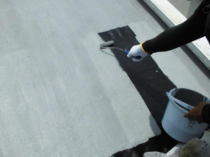 床部分のトップコートの塗布