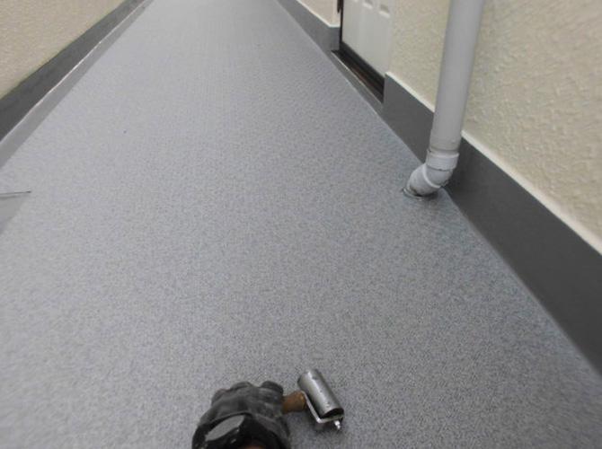 廊下の圧着