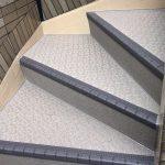 江戸川区H様邸の外階段の長尺リフォーム – 定期的な階段の長尺シート工事