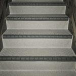 世田谷区Cマンションの長尺シート工事 – マンション外階段や廊下の床リフォーム