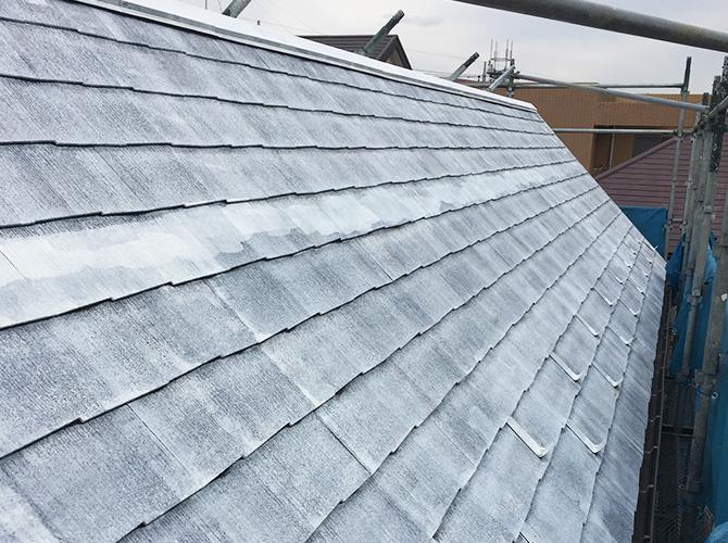 屋根塗装の下塗り完了