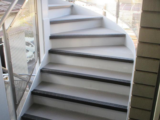 階段コーナー部分の完了後