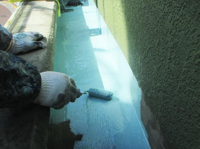 床面のウレタン防水材塗布