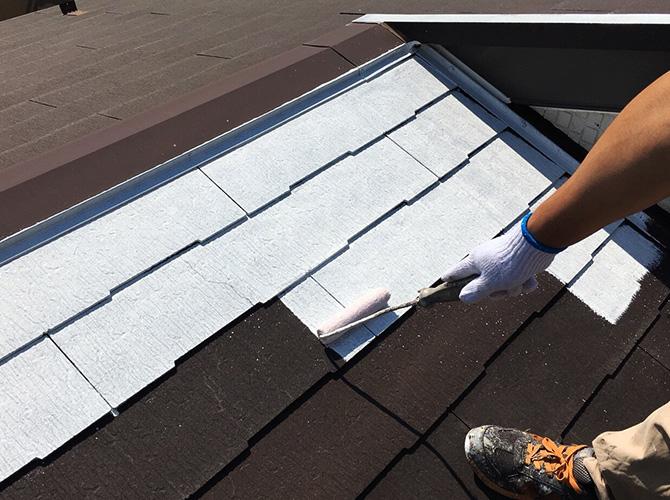 墨田区マンションの屋根塗装の下塗り