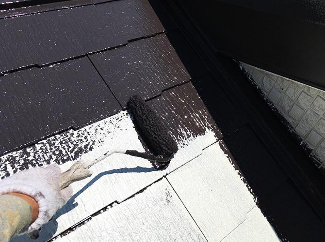 墨田区マンションの屋根塗装の中塗り