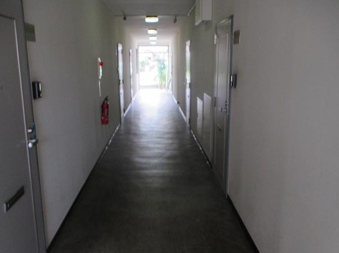 共用廊下の施工前