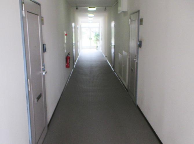 アパート廊下の長尺シート工事完了後