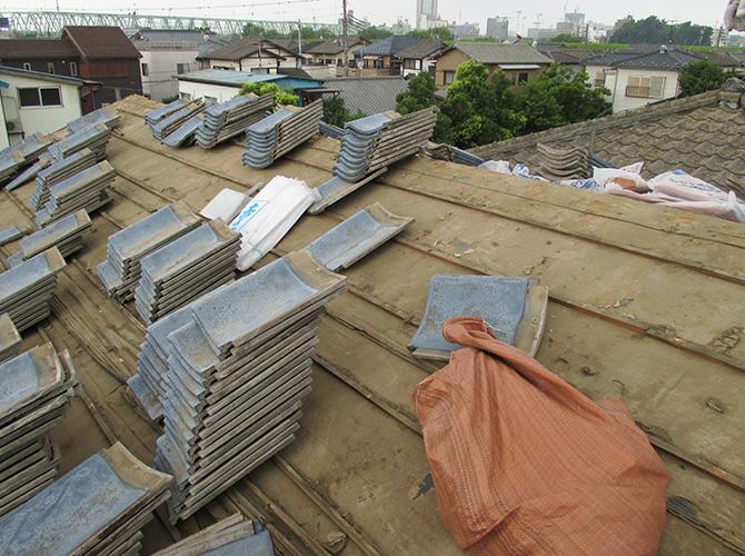 既存瓦屋根材の撤去