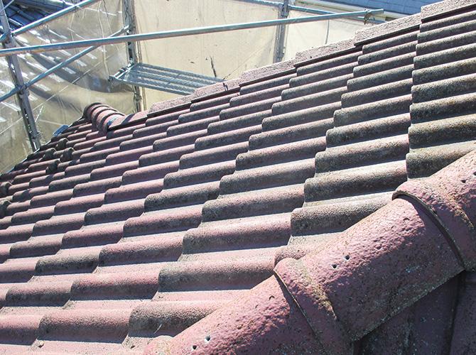 台風対策の屋根葺き替え工事の施工前