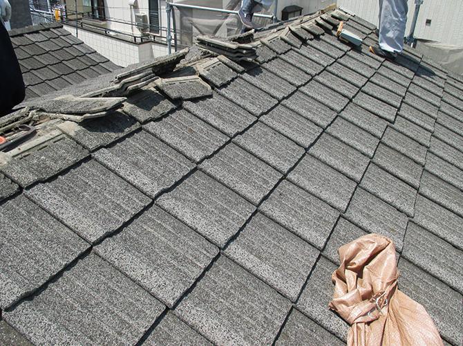 台風対策の屋根葺き替え工事の施工前の状態