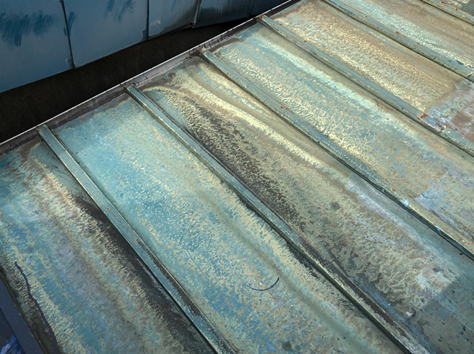 トタン屋根防水工事の施工前