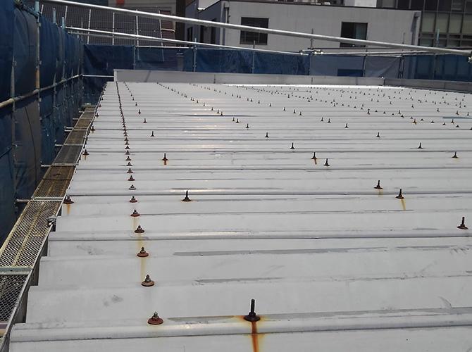 マンション折板屋根塗装の施工前