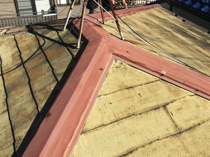 屋根修理工事の施工前