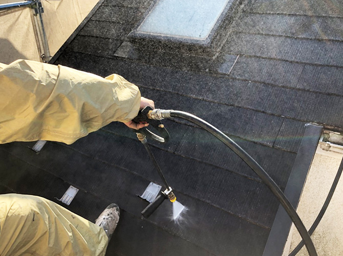 屋根の高圧洗浄