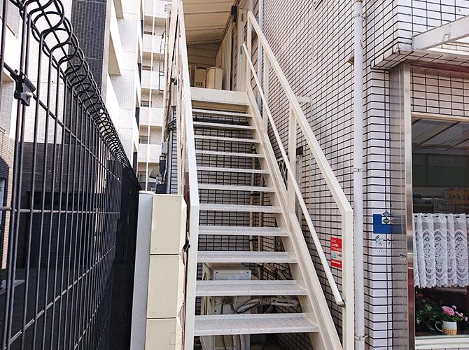 階段の塗装後