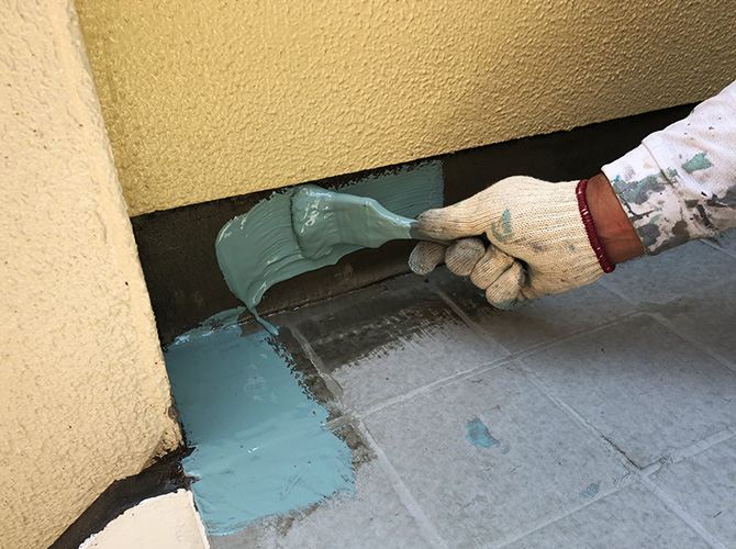 ウレタン防水材の塗布