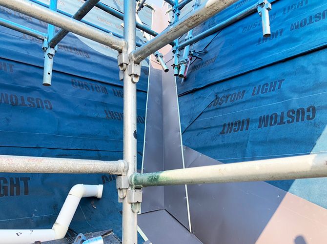 屋根板金の設置