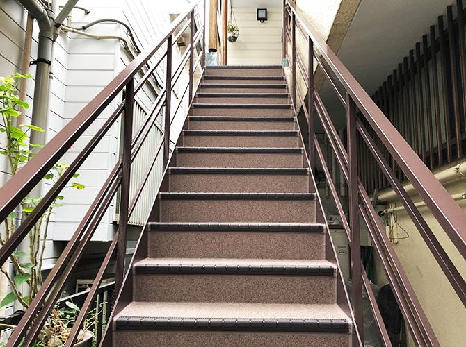 階段の長尺シート完了後
