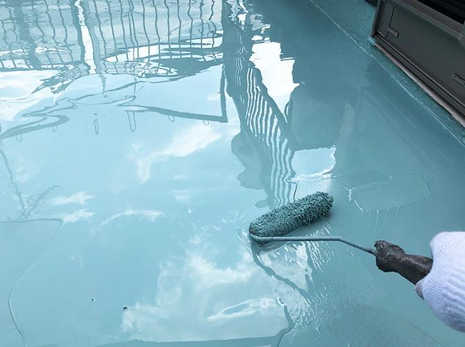 床部分のウレタン防水材2層目の塗布