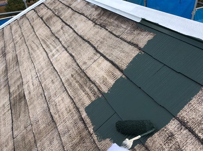 屋根塗装の中塗り