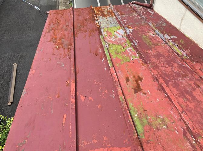 瓦棒葺き屋根の劣化状況