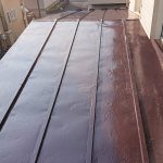 足立区H様邸の屋根塗装リフォーム – 瓦棒葺き屋根の遮熱塗り替え工事