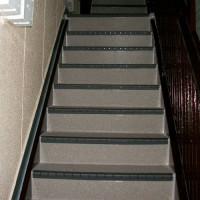 階段の長尺シート工事の完了後