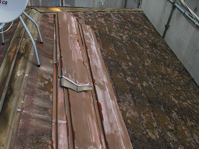 屋根葺き替え工事前の屋根の劣化状況