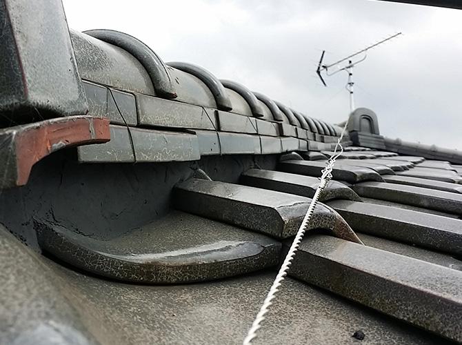 瓦屋根の漆喰補修
