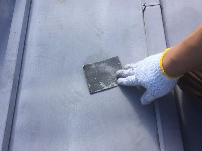 トタン屋根のケレン清掃