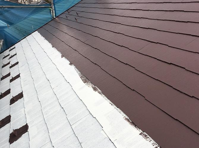 台風対策の屋根塗装の中塗り