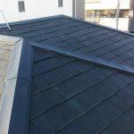 足立区T様邸のスレート屋根板金修理 – 屋根の棟板金交換工事